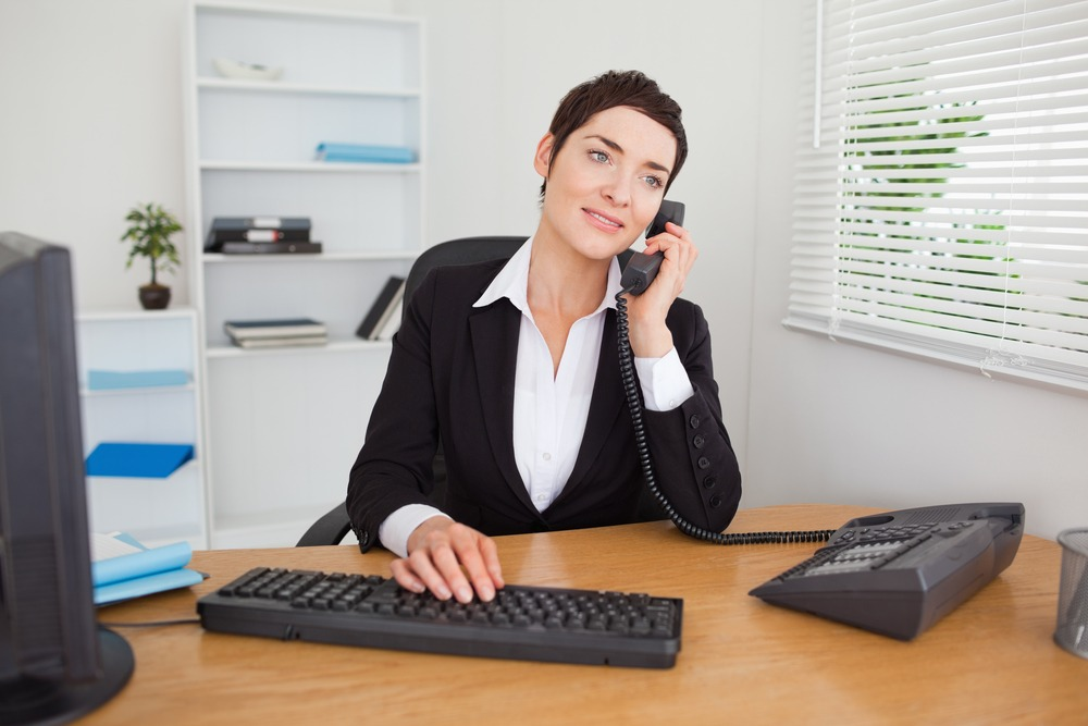 How a Phone Answering Service Can Benefit a Web Design Business