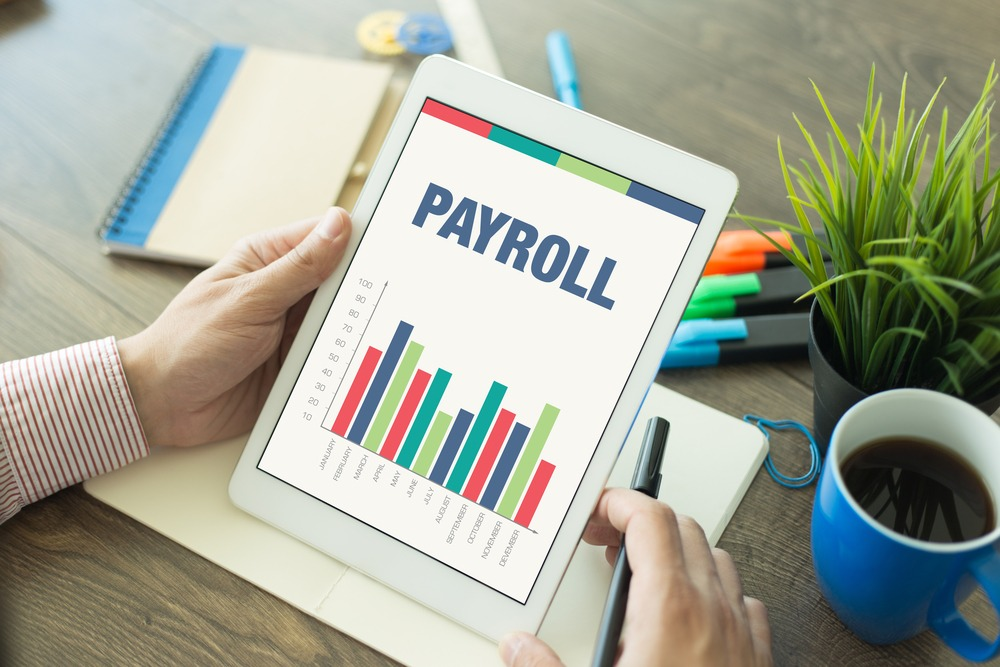 Outsourcing vs. Hiring: How to Reduce Payroll Costs with Telephone Answering Services