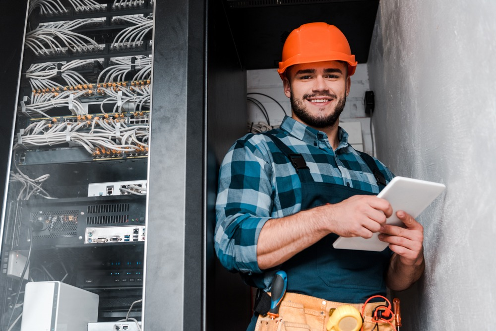 The Benefits of Answering Services for Electricians